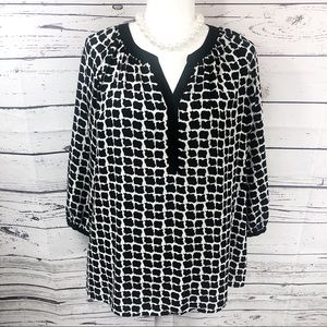 Violet & Claire Black & White 3/4 Sleeve Blouse